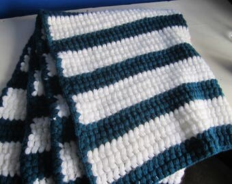 Blue and White Puff Stitched Blanket