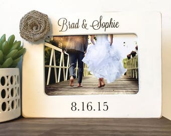 Personalized Wedding Date Picture Frame Gift // Wedding Gift // Couple // Anniversary Gift