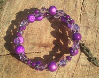 Boho hippy bracelet. Glass and plastic beads. 6 inch. Memory wire.