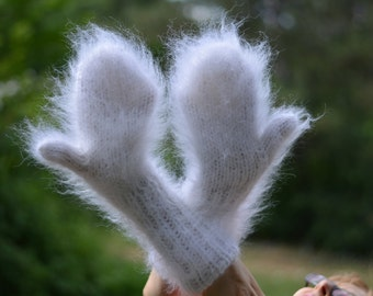READY handmade mittens fuzzy mohair mittens hand knitted mohair muffs soft mohair mittens cute handknit mohair gloves long fuzzy White thick