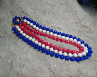 Fun 1950's Bead Necklace with Patriotic Colors