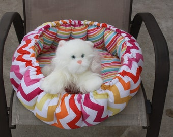 Cat bed, round cat bed, dog bed, chevron cat bed, cat accessories, cat bedding, luxury cat bed, fabric pet bed, washable pet bed, pet bed