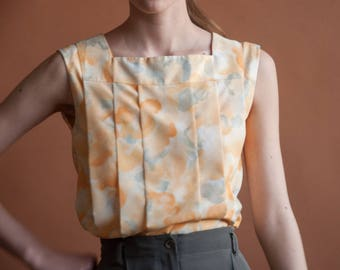 NINA RICCI BOUTIQUE 1960s pleated blouse / sleeveless watercolor print shell / floral top / s / 2098t / B18