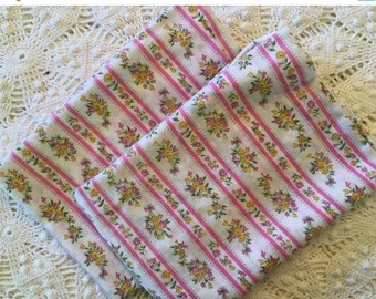 BIG SALE - Pair of New Old Stock Vintage Pillow Ticks - Pillow Cover - Pink and White - Flowers - Zipper Pillow Cases - Farmhouse Linens -Do