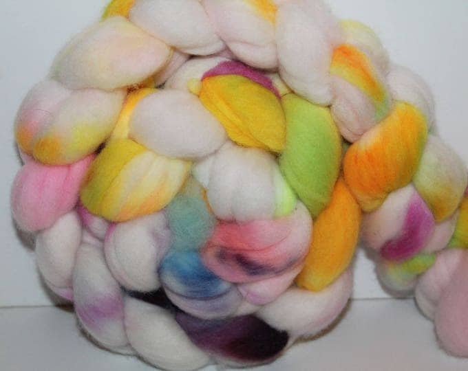 Kettle Dyed Merino Wool Top. Super fine. 19 micrno  Soft and easy to spin. 4oz  Braid. Spin. Felt. Roving. M208