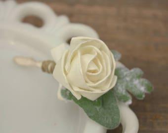 Sola flower boutonniere, ivory grooms boutonniere, sola wood flower bout, grooms flower, boutineer, natural wedding flowers, ecoflowers