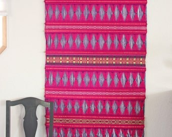 XL Vintage MAGENTA Fiber Textile Art Wall Hanging / diamond pattern / retro 1970's bohemian modern / fuschia pink boho chic