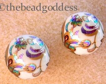 New Pair Beautiful Japanese TENSHA  Beads PEACOCK WHITE 12mm