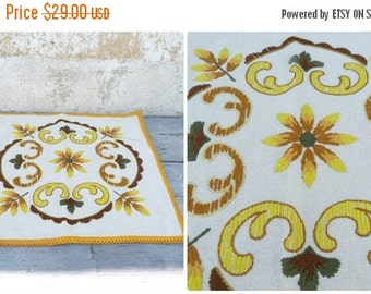 ON SALE 20% Vintage Tyrol Austria East Europe handmade folk embroidered pillow case / floral pattern / cotton on linen