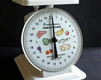 American Family Scale 25 Lb White Metal Fruit Food Face, Plastic Top, Kitchen Scale