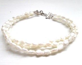 Bridal jewellery/ jewelry, wedding jewellery/ new handmade ivory freshwater pearl bracelet