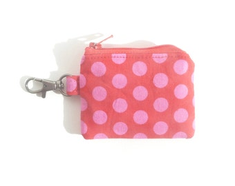 mini zipper pouch. pink polka dot red party favor girl. small friend gift. d ring. key ring store card case. crochet knit stitch marker case