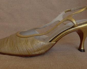 Vintage 60s Gold Metallic Slingback Kitten Heels 8