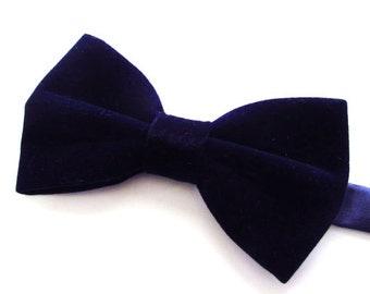 Mens Bowtie. Dark Navy Blue Velvet Bowtie With Matching Pocket Square