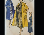 Vintage 50s  Swing Clutch Coat Sleeveless Shirtwaist Day Dress Sewing Pattern 5776 B32