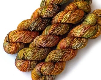 Hand Dyed Yarn Vera Fingering Single Ply Fingering Yarn - Wheatfields, 500 yards