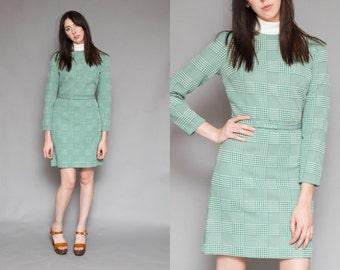 Vintage 60s Mod Green Plaid Mini Dress // Turtleneck Belted Scooter Dress - Size Medium