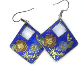 Vintage Floral Dangling Enamel Earrings / Enamel Cloisonne Flower Pierced Earrings / Royal Blue Earrings
