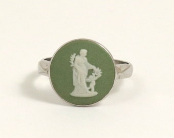 Vintage Wedgwood Cameo Ring, Green Jasper, Sterling Silver, US Size 6.75, UK Size N