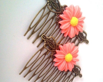 ON SALE Pink Daisy Hair Combs - Flowers Floral Sweet Soft  Victorian Lolita