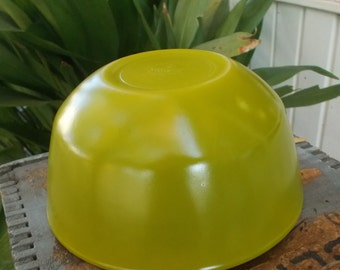 Vintage Anchor Hocking Fire-King Mixing Bowl / Avocado Lime Green / Marked No 20 On Bottom