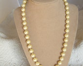 Vintage Classic Faux Pearl Necklace - Ivory Tone