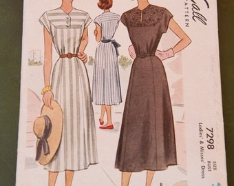 McCalls 6145 Vintage Pattern - Bust 42 Dress Complete 1940's