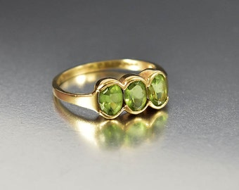 Peridot Ring, Three Stone Gold Edwardian Ring, Alternative Wedding Band Engagement Ring, Stacking Ring, Fine Jewelry, Birthstone Ring