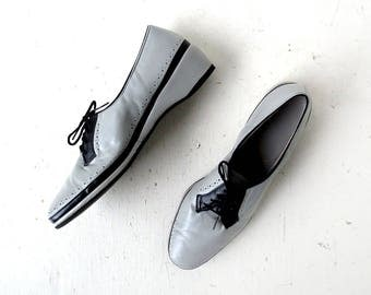 Vintage 1940s Shoes | Gray and Black | Wedge Shoes | Size 11