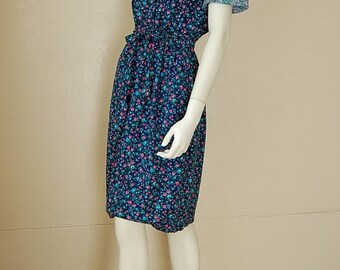 sale 25% off every sunday Prairie Dress Vintage 70s Dark Blue Calico Floral Prairie Boho Cotton Day Dress (s m)