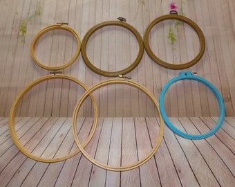 Lot Of 6 Embroidery Hoops Assorted Sizes
