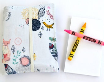 Boho Floral Crayon Wallet, Feathers, Art Wallet, Gift for Girls, 8 Crayons and Notepad Included, Kids Wedding Favor, Crayon Organizer