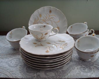 Slightly Imperfect Set of 8 Lefton Gold Wheat Design, 1950s, Retro, Snack Set, Plates, Cups, Gold and White, Shell Design, Gilded