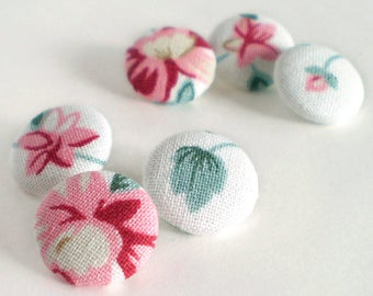 Fabric Covered Buttons, Winter Flowers, 6 Small Floral Fabric Button, Red Pink Blue Green White, Rose Flowers Fabric Button, Sewing Clothing