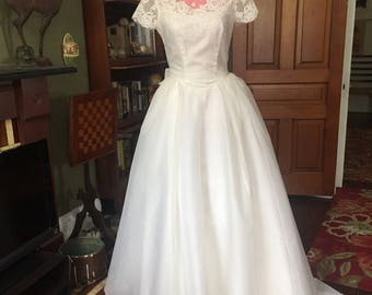 SALE Vintage 1960s Cap Sleeve Lace Wedding Dress with Train