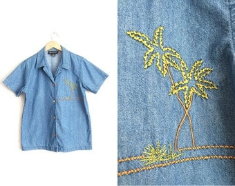Size M/L // DENIM PALM TREE Button-Up Shirt // Short Sleeve - Notched Collar - Vacation - Vintage '90s.