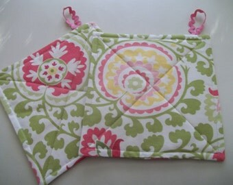 Mod Floral Pot Holder Set of 2 ~ Pink, Yellow, Green Pot Holder