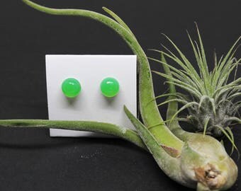 Chalcedony Gemstone . 8mm Round Domes . Sterling Silver Posts Studs Earrings . Chrysoprase Green . E17088