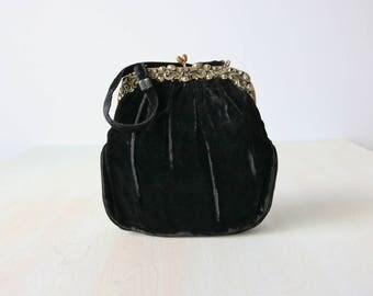 Vintage  Black Velvet Handbag Purse / Frame Handbag / Top Handle Purse / Ornate Frame
