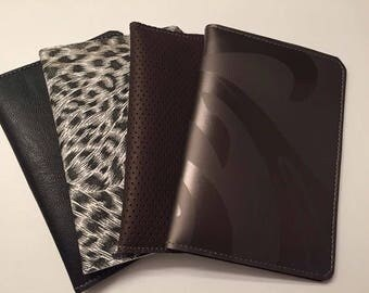 Tract wallet or passport wallet.  Will hold doublefolded tracts, meeting invites and contact cards. Also perfect size for passports.