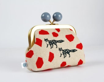 Metal frame coin purse with color bobble - Echino foxes on off white - Color dad / Echino / japanese fabric / geometric shapes / red