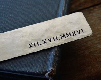 Roman Numeral Bookmark, Anniversary Gift, Personalized Bookmark,Wedding Date, Silver Metal Bookmark,Hand Stamped, Gift for Her,Husband Gift