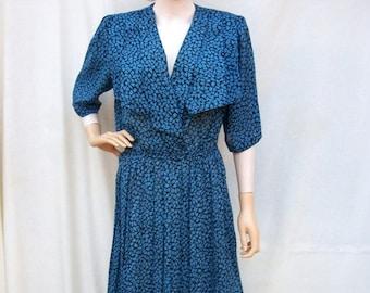 ON SALE 80s Leaf Print Dress size Large Xlarge 40s Style Dress Large Collar