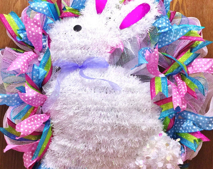 FREE SHIPPING Easter Bunny - Door Wreath!