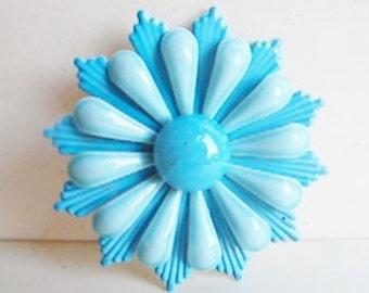 Vintage 1960s two-tone blue mod flower brooch (GG1)