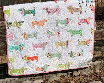 NEW Puppies on Parade Quilt Instant Download Dog Quilt PDF PaTTERN - Baby,Throw,Twin - Fat Quarter Layer Cake Scraps - PDF