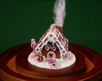 Gingerbread House with Display Dome and Gift Box