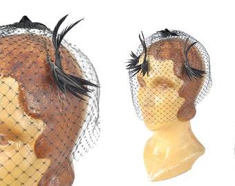 1950s black bird veil / Put a Bird on it feather birdcage veil /  50s fascinator hat veil