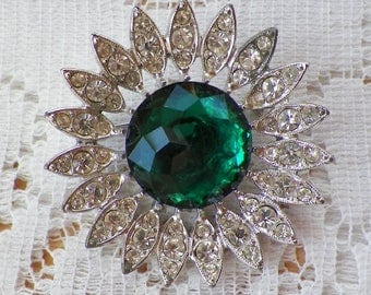 Vintage Sarah Coventry Emerald Green Faceted Cabochon and Clear Rhinestone Burst Brooch / Pin / Broach, Silver Tone Metal, Bridal / Bride,