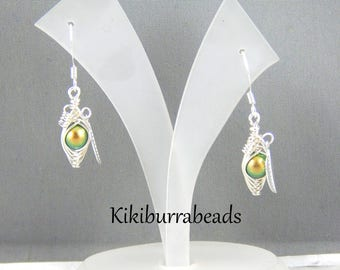 One Pea In A Pod Earrings,Peas In A Pod, Peas in A Pod Pod Jewelry,Green Peas In A Pod,Pea Pod Earrings
